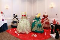 メイクルームドレス展示